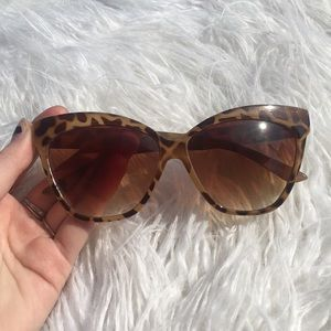 FREE PEOPLE cheetah print glasses